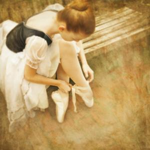 ©2017, Ailene Cuthbertson, Can't help but dance, Giclée print of photograph, 30cm x 30cm